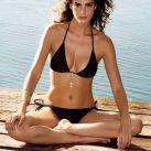 María Luisa Flores Empresaria Bikini