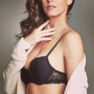 María Luisa Flores Empresaria Sexy pose